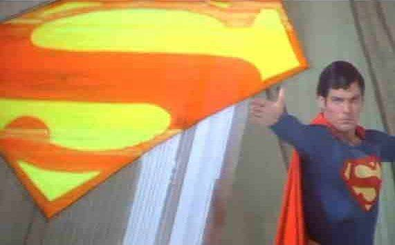 Бросание символом супермена - Stone Forest
