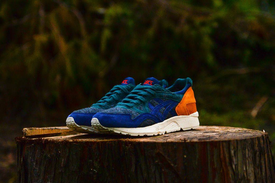 Кроссовки ASICS X-Mas Pack - Stone Forest