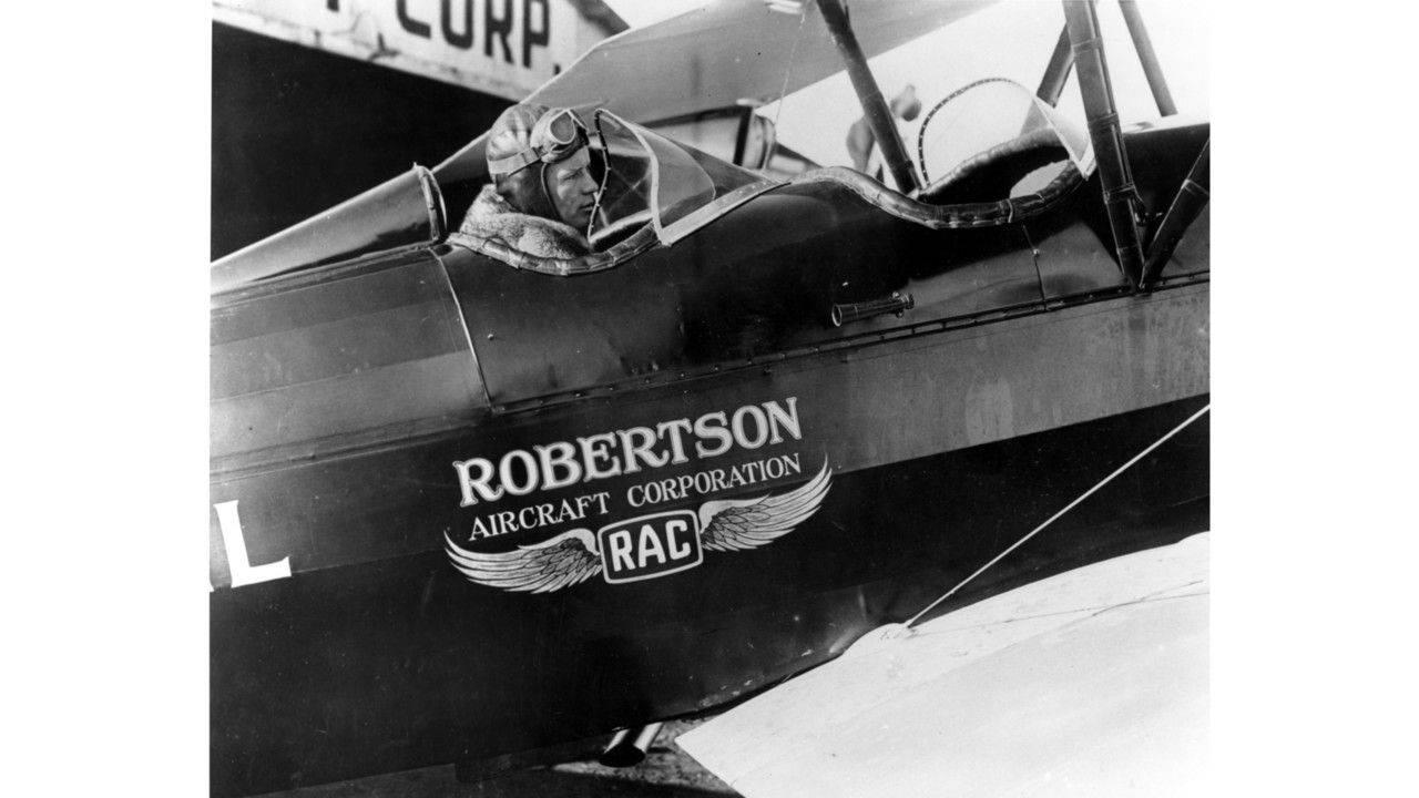 Чарльз Линдберг в Robertson Aircraft Corporation - Stone Forest