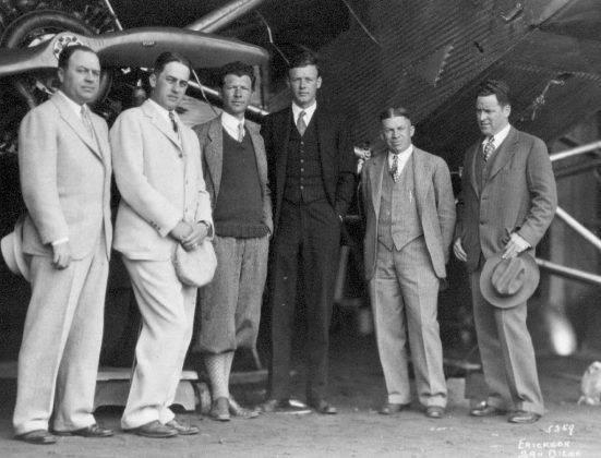 Чарльз Линдберг с гостями - Stone Forest