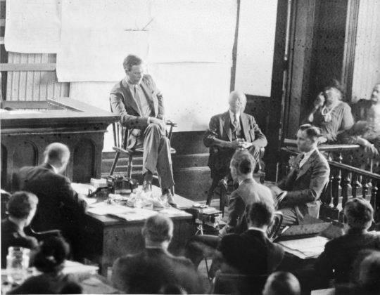 Чарльз Линдберг свидетельствует против Бруно Хауптманна - Stone Forest