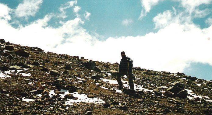 Альпинист Эдмунд Хиллари - Stone Forest