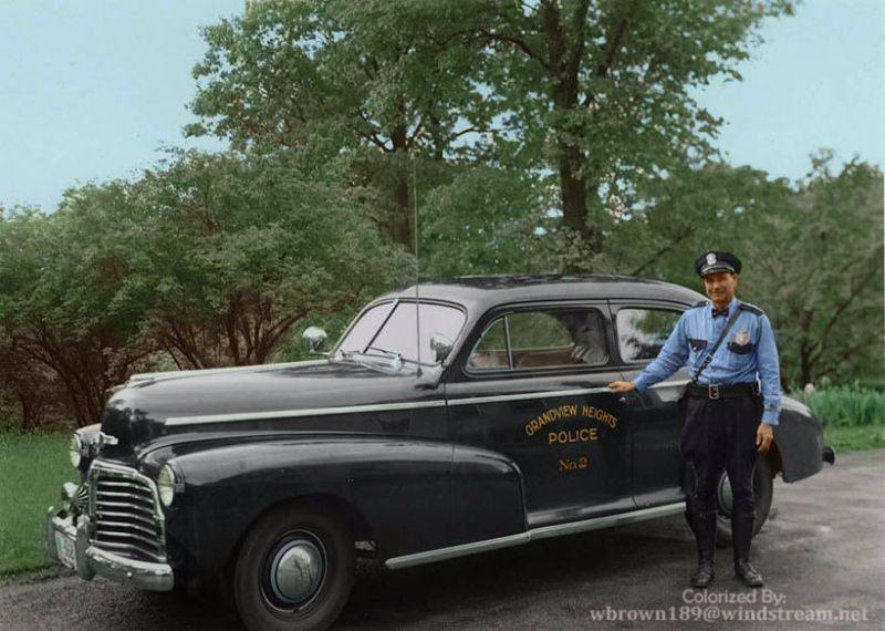 Полиция Грэндвью-Хайтс 1943 год - Stone Forest