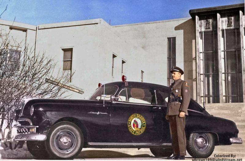Полиция Северной Дакоты 1949 год - Stone Forest