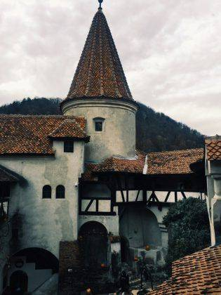 Замок Бран - Stone Forest