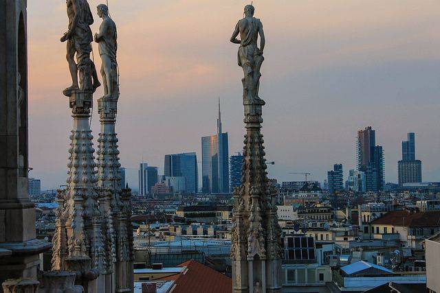 Город Милан - Stone Forest