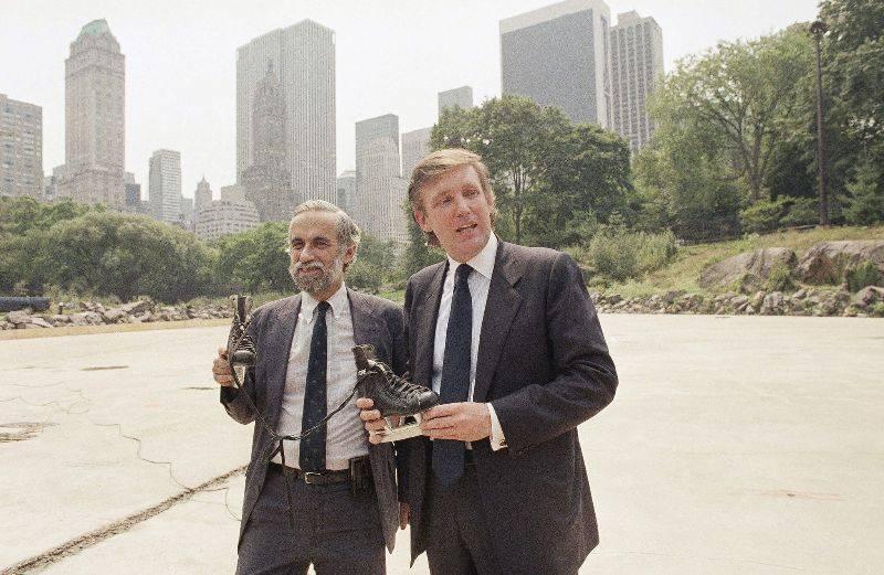Дональд Трамп и комиссар парков Нью-Йорка Генри Стерн на ремонтный работах катках Уоллмен-Ринк - Stone Forest