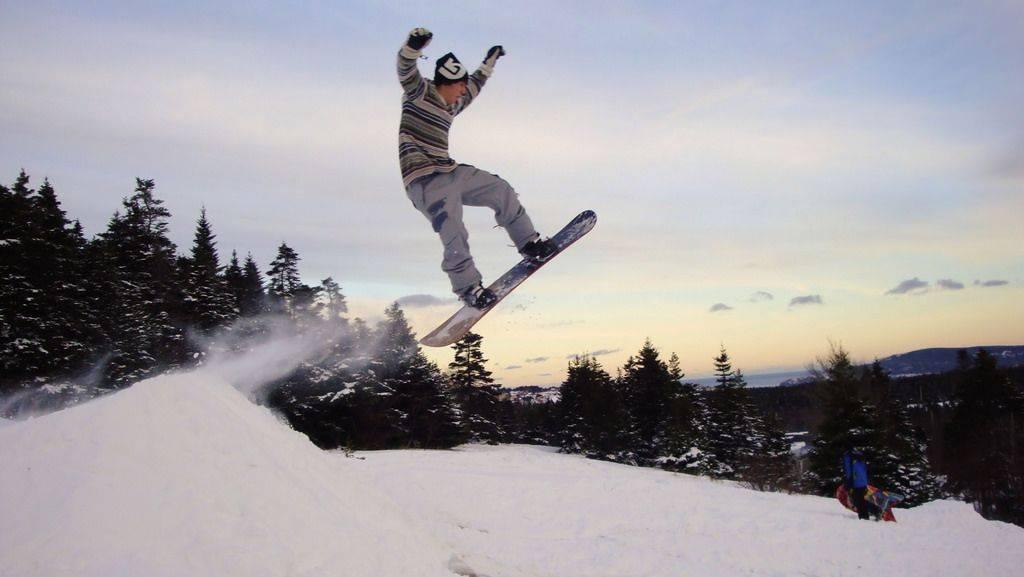 Инструктор по сноубордингу в горах - Stone Forest