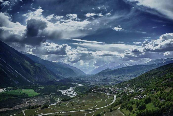 Постоянное место жительства Альбинен Швейцария - Stone Forest