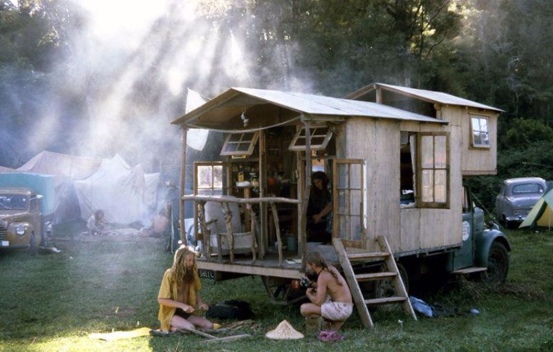 Дома на колесах в эпоху хиппи 1970 - Stone Forest