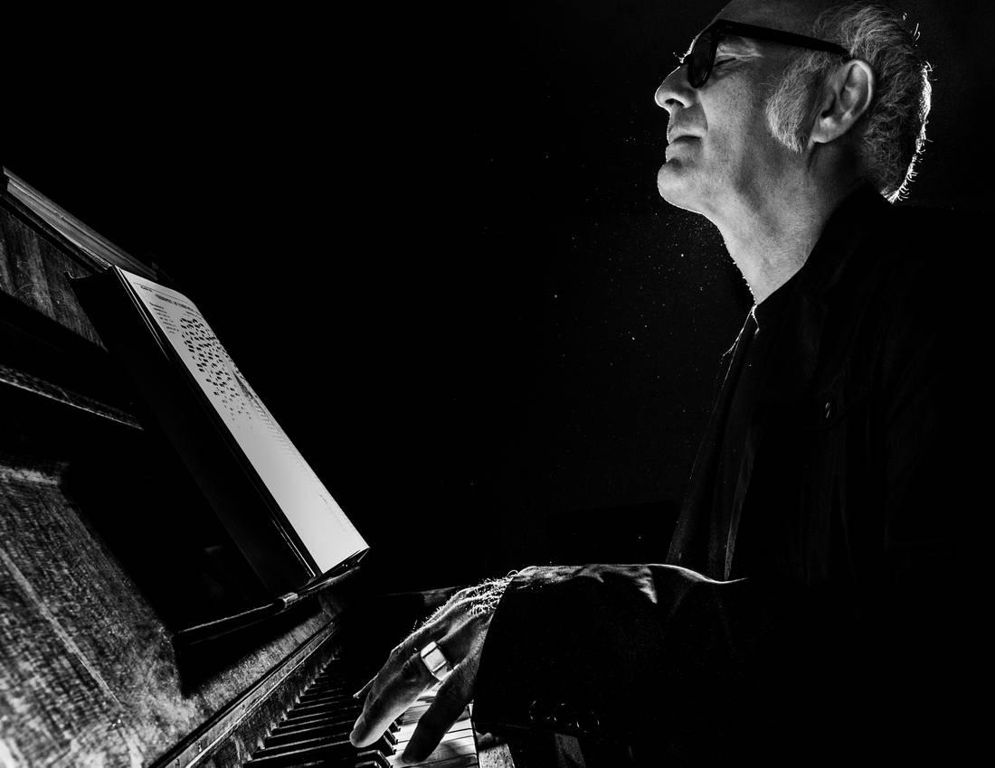 Итальянский пианист Людовико Эйнауди - Stone Forest