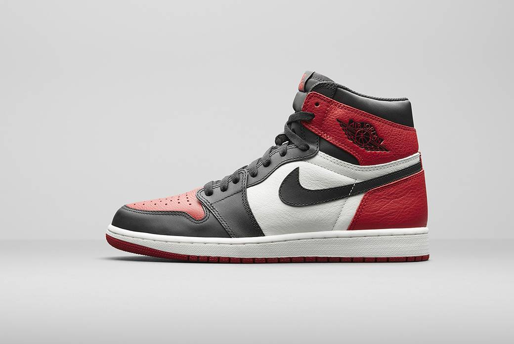 Релиз модели кроссовок Air Jordan 1 Retro High OG 'Bred Toe' - Stone Forest