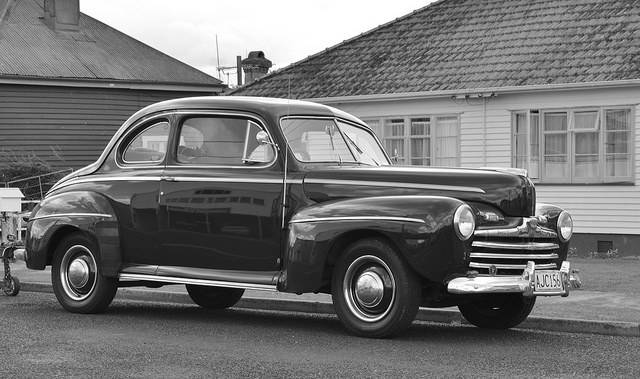 Авто Ford V8 - Stone Forest