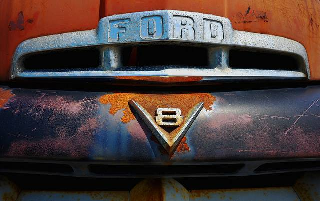 Автомобиль Ford V8 - Stone Forest