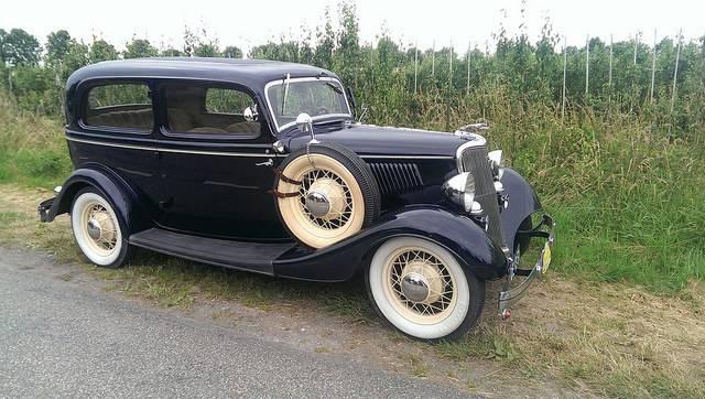 Модель авто Ford V8 - Stone Forest