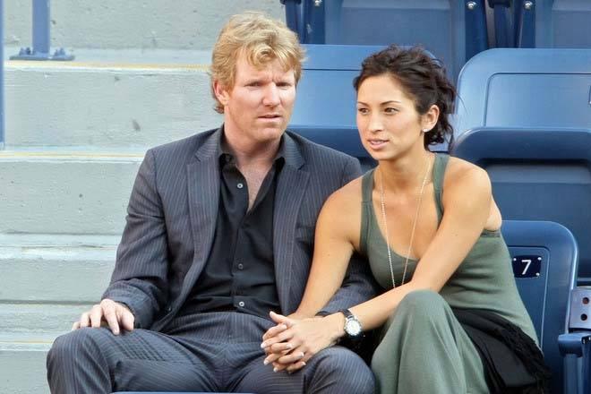 Джим Курье с женой - Stone Forest