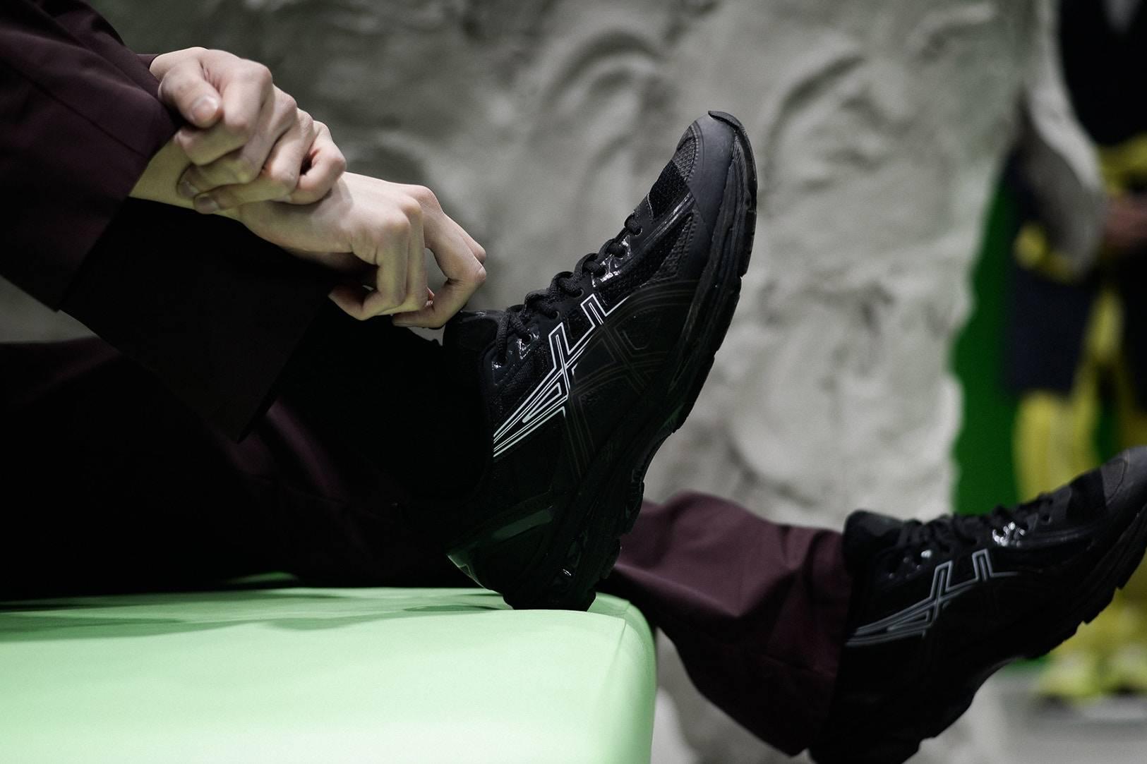 Модель кроссовок ASICS × Kiko Kostadinov GEL-BURZ 1 - Stone Forest