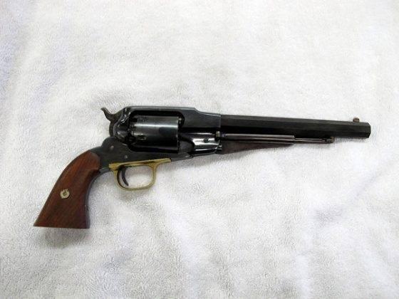 Старый револьвер Ремингтон - Stone Forest