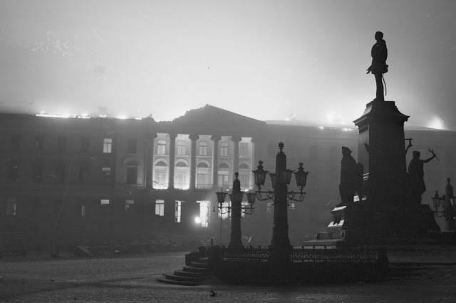 Хельсинкский университет во время бомбардировки СССР - Stone Forest