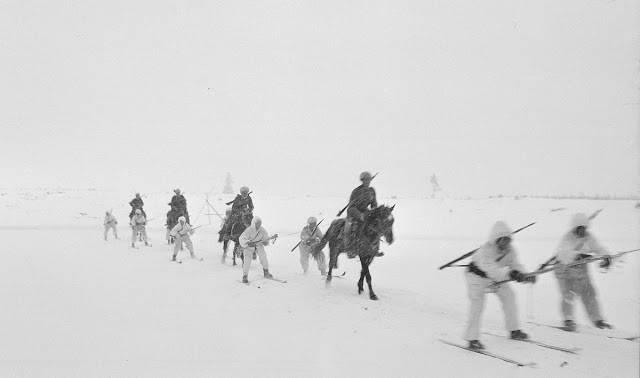 Перемещение отрядов во время снежной зимы - Stone Forest