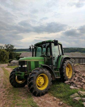 Трактор John Deere - Stone Forest