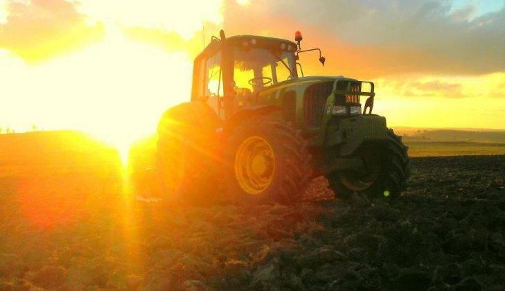 Трактор Джон Дир - Stone Forest