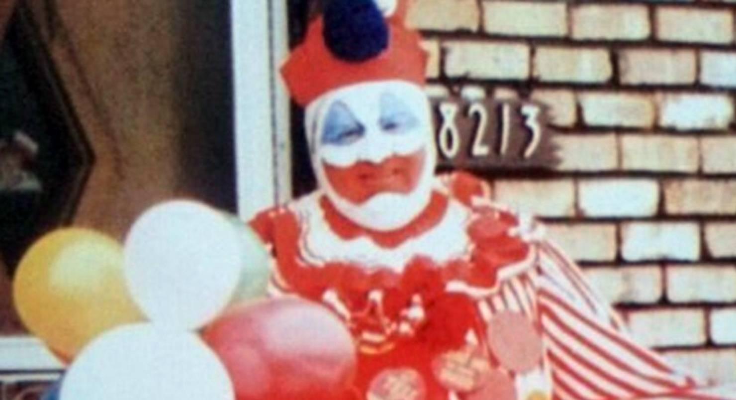 Клоун убийца Джон Уэйн Гейси младший - история маньяка из США в костюме клоуна   John Wayne Gacy jr - прототип Пеннивайза