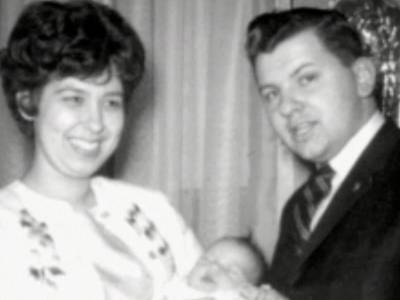 Джон Уэйн Гейси с женой - Stone Forest