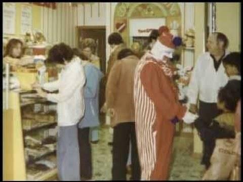 Джон Уэйн Гейси в костюме клоуна - Stone Forest