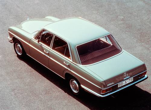 Автомобиль Mercedes-Benz 280 - Stone Forest