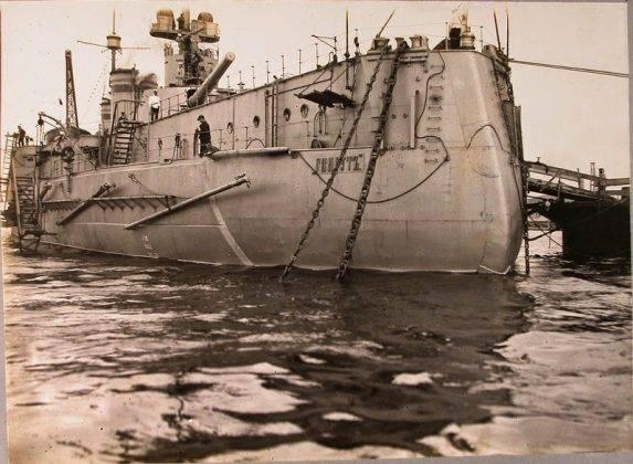 Военный корабль Гангут - Stone Forest