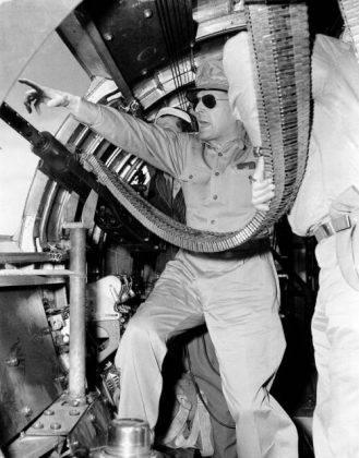 Генерал Дуглас Макартур на Корейской войне - Stone Forest