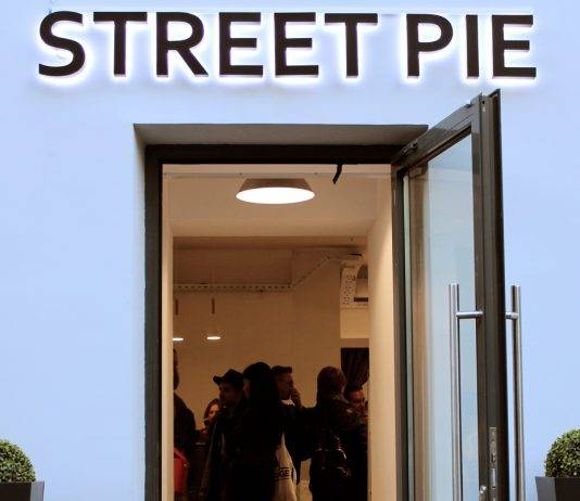 Street Pie Store - Stone Forest