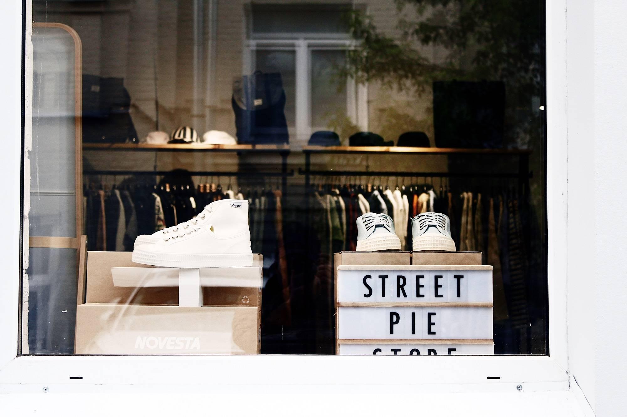 Street Pie Store фотоотчет - Stone Forest