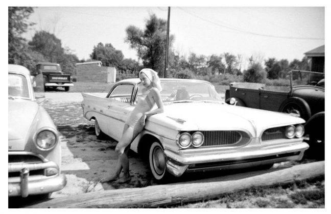 Модель авто Pontiac Bonneville - Stone Forest