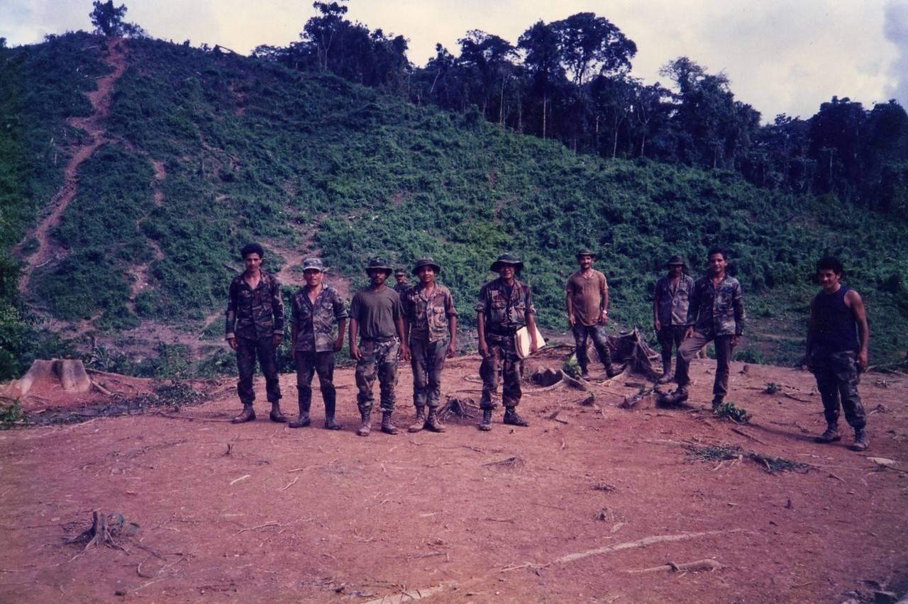 Революционеры Контрас из Никарагуа - Stone Forest