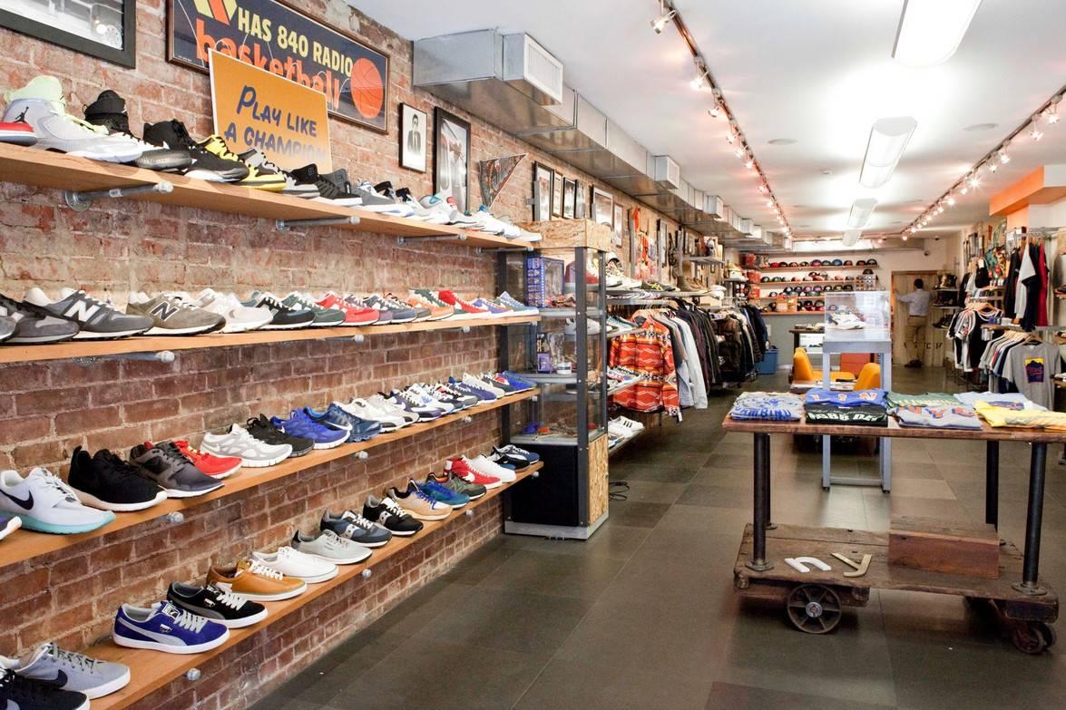 Магазин West NYC — классика американского спорта в центре Нью-Йорка