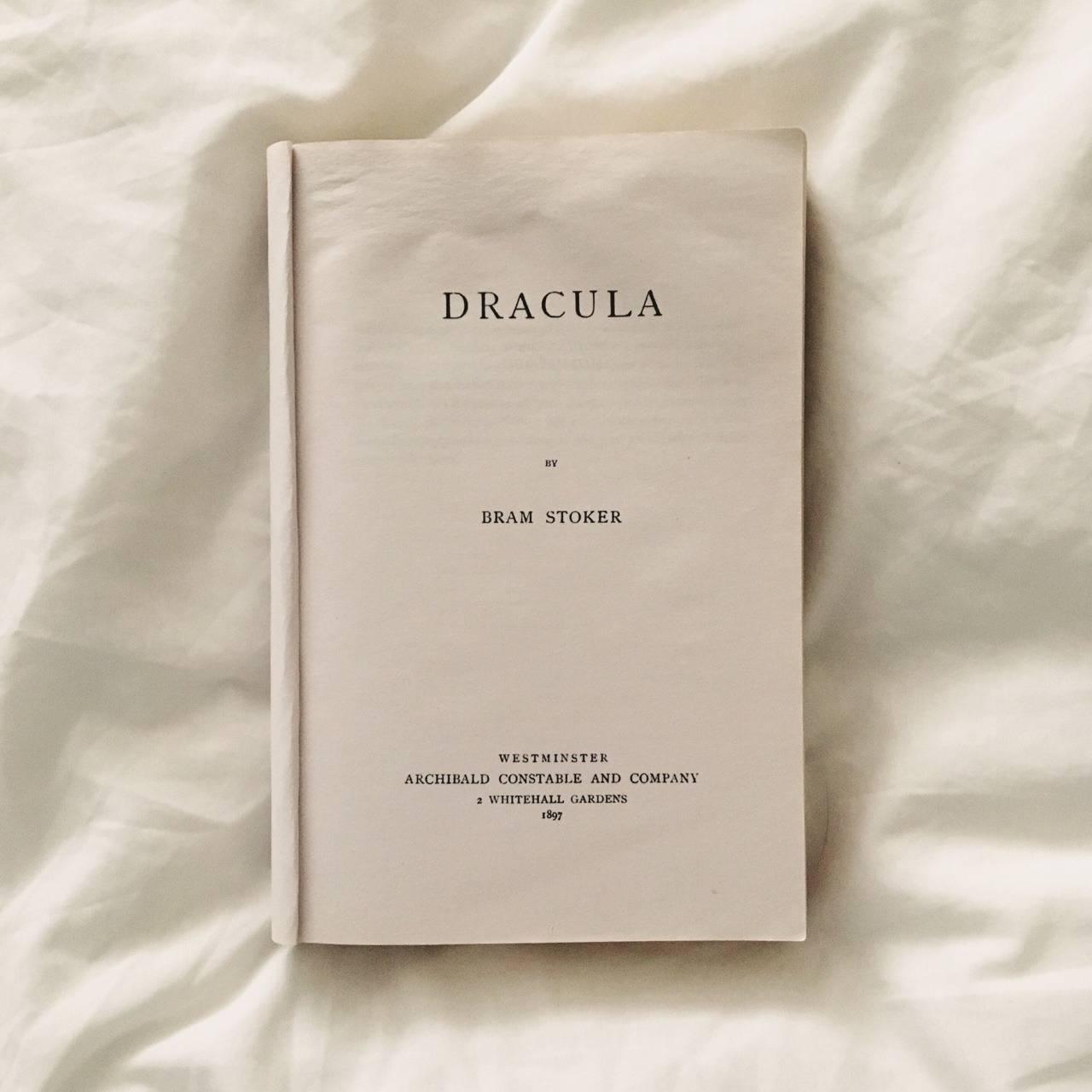 Роман Дракула Брэма Стокера - Stone Forest