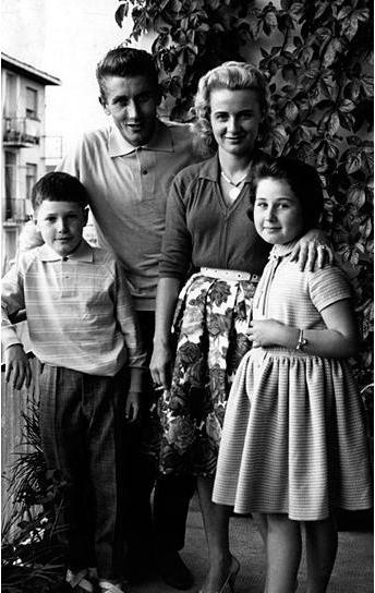 Жак Анкетиль с семьей - Stone Forest