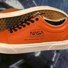 Обувь Nasa Vans Space Voyager - Stone Forest