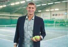 Теннисист Максим Мирный