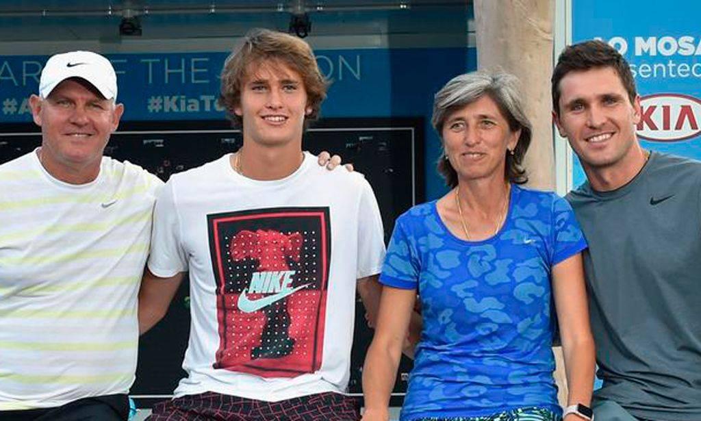 теннисист Миша Зверев из России и его семья