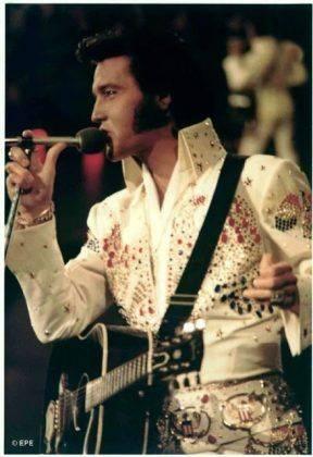 Элвис Пресли Концерт на Гавайях, 1973 год - Каменный лес Stone Forest