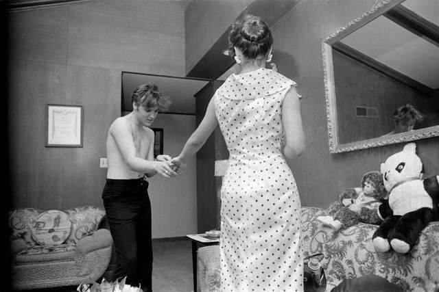 Элвис Пресли С Барбарой Хирн в Мемфисе 1955 - Каменный лес Stone Forest
