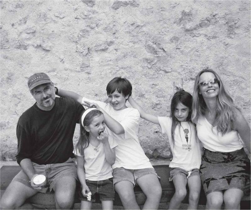 Стив Джобс с семьей - Каменный лес Stone Forest