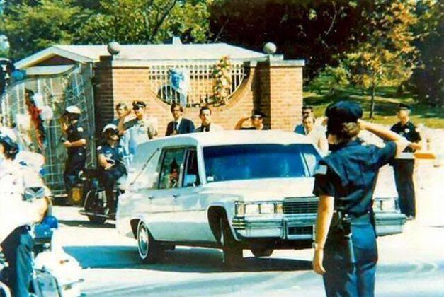 Похороны Элвиса Пресли - Каменный лес Stone Forest