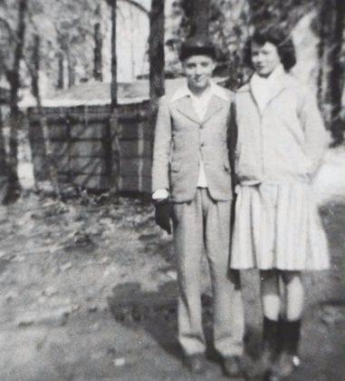Элвис Пресли с подругой - Каменный лес Stone Forest