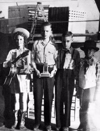 Элвис Пресли с друзьями - Каменный лес Stone Forest