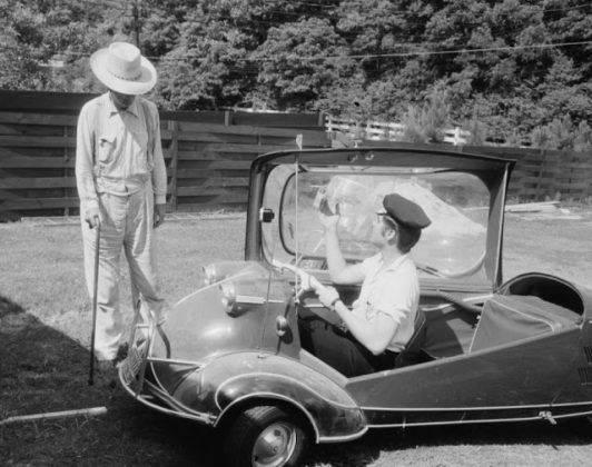 Элвис Пресли и 1955 Messerschmitt KR 200 - Каменный лес Stone Forest