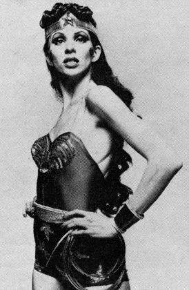 Анджела Боуи в образе Чудо-женщины - Каменный лес Stone Forest